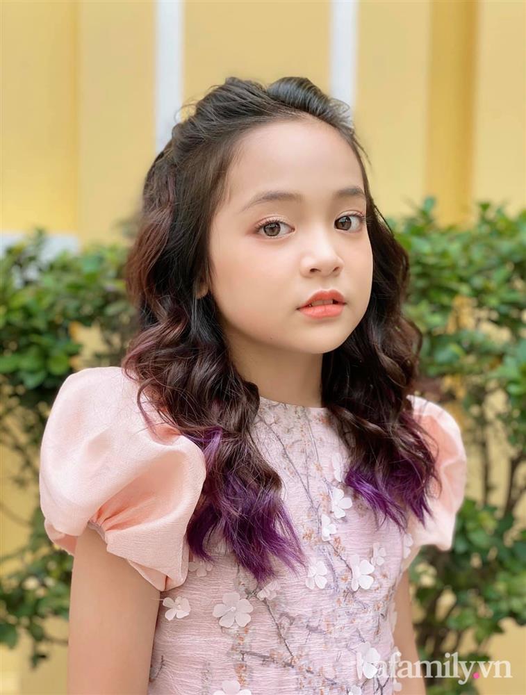 Con gái Việt Anh trong Hướng dương ngược nắng: Ngoài đời được mẹ nuôi dạy chu đáo, tự biết giữ gìn nhan sắc từ nhỏ nên ngày càng xinh đẹp-3