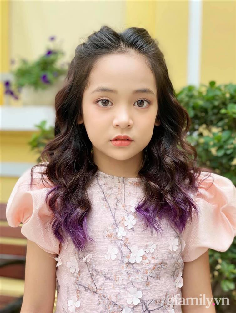 Con gái Việt Anh trong Hướng dương ngược nắng: Ngoài đời được mẹ nuôi dạy chu đáo, tự biết giữ gìn nhan sắc từ nhỏ nên ngày càng xinh đẹp-4