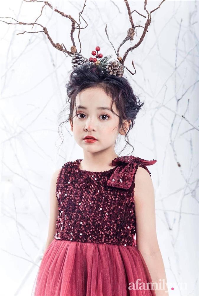 Con gái Việt Anh trong Hướng dương ngược nắng: Ngoài đời được mẹ nuôi dạy chu đáo, tự biết giữ gìn nhan sắc từ nhỏ nên ngày càng xinh đẹp-10