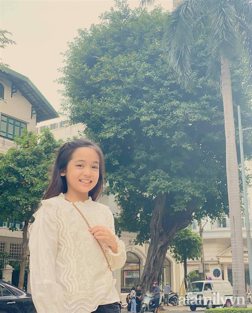 Con gái Việt Anh trong Hướng dương ngược nắng: Ngoài đời được mẹ nuôi dạy chu đáo, tự biết giữ gìn nhan sắc từ nhỏ nên ngày càng xinh đẹp-15