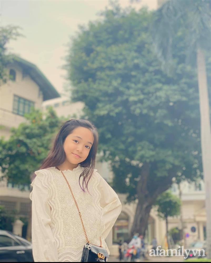 Con gái Việt Anh trong Hướng dương ngược nắng: Ngoài đời được mẹ nuôi dạy chu đáo, tự biết giữ gìn nhan sắc từ nhỏ nên ngày càng xinh đẹp-16