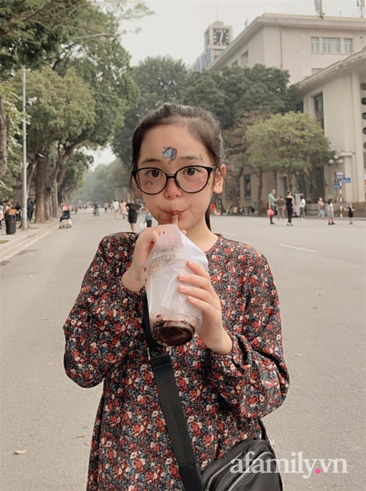 Con gái Việt Anh trong Hướng dương ngược nắng: Ngoài đời được mẹ nuôi dạy chu đáo, tự biết giữ gìn nhan sắc từ nhỏ nên ngày càng xinh đẹp-20