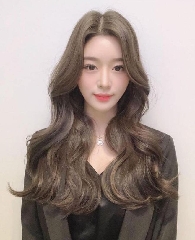 Check nhanh 5 xu hướng tóc trendy cho xuân - hè 2021, toàn kiểu nàng thơ mà nịnh mặt vô đối!-10