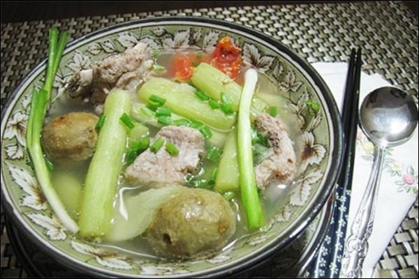 Đàm Thu Trang đãi chồng đại giacanh sườn dọc mùng ngọt mát ngon cơm,ít vào bếp nhưng tài nấu nướng thật đáng học hỏi-6
