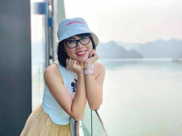 Soi học vấn của những nữ YouTuber hot nhất Việt Nam: Ai cũng học trường top, riêng Thơ Nguyễn bị nghi ngờ vì tự nhận mình học giỏi-3