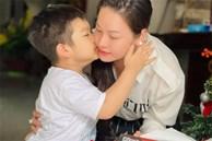 Xúc động clip Nhật Kim Anh đoàn tụ quý tử sau 2 năm đấu tranh giành quyền nuôi con, cử chỉ bé dành cho mẹ thật ấm lòng