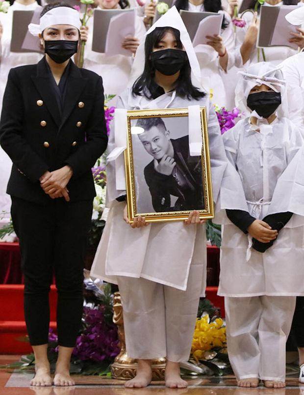 Vợ cũ cố NS Vân Quang Long tổ chức sinh nhật cho con trai, đáng chú ý nhất là thái độ của ái nữ sau liên hoàn biến cố-4