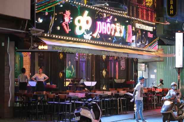 TP.HCM: Karaoke, quán bar, vũ trường được phép hoạt động trở lại-1