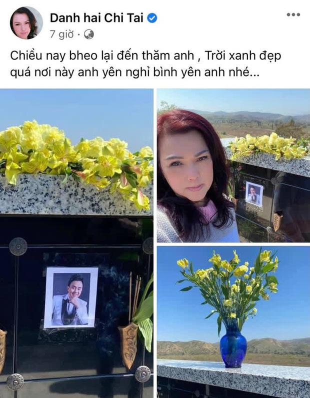 Ca sĩ Phương Loan lộ đôi mắt buồn bã, sưng húp bên di ảnh cố NS Chí Tài, nói một lời ai nghe cũng xót!-1