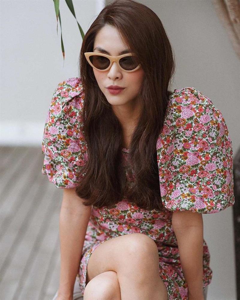 Học lỏm Hà Tăng, Thanh Hằng cùng loạt mỹ nhân Việt 1001 cách diện váy hoa đẹp đúng điệu-1