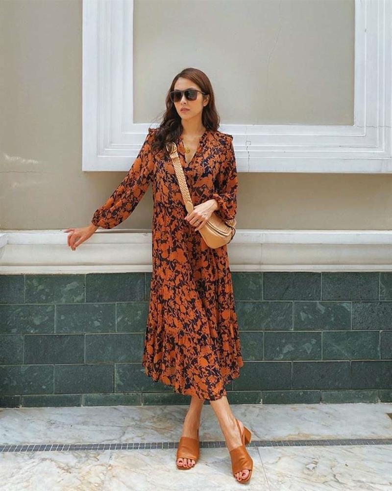 Học lỏm Hà Tăng, Thanh Hằng cùng loạt mỹ nhân Việt 1001 cách diện váy hoa đẹp đúng điệu-2