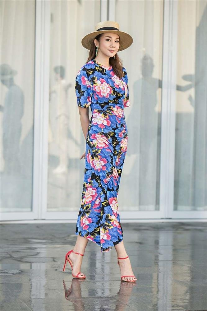 Học lỏm Hà Tăng, Thanh Hằng cùng loạt mỹ nhân Việt 1001 cách diện váy hoa đẹp đúng điệu-4