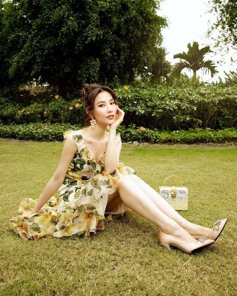 Học lỏm Hà Tăng, Thanh Hằng cùng loạt mỹ nhân Việt 1001 cách diện váy hoa đẹp đúng điệu-8