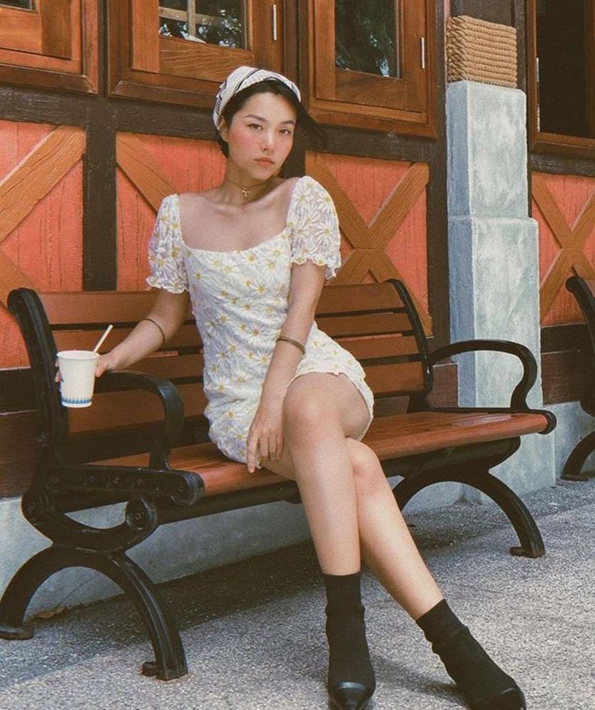 Học lỏm Hà Tăng, Thanh Hằng cùng loạt mỹ nhân Việt 1001 cách diện váy hoa đẹp đúng điệu-10