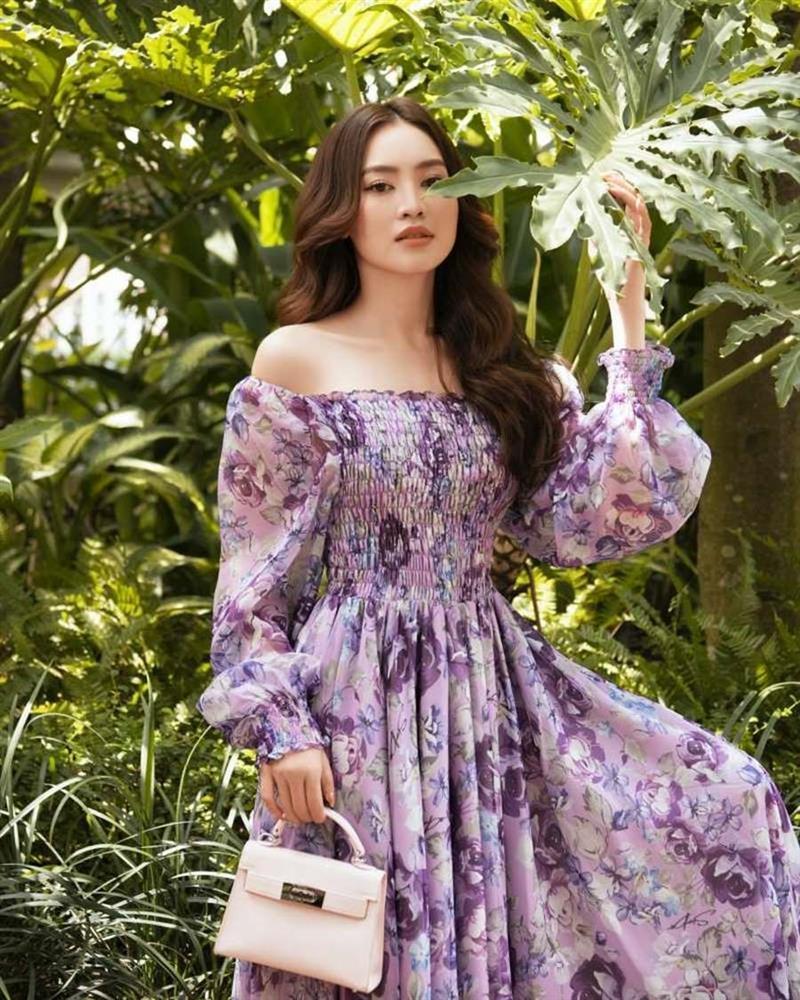 Học lỏm Hà Tăng, Thanh Hằng cùng loạt mỹ nhân Việt 1001 cách diện váy hoa đẹp đúng điệu-11