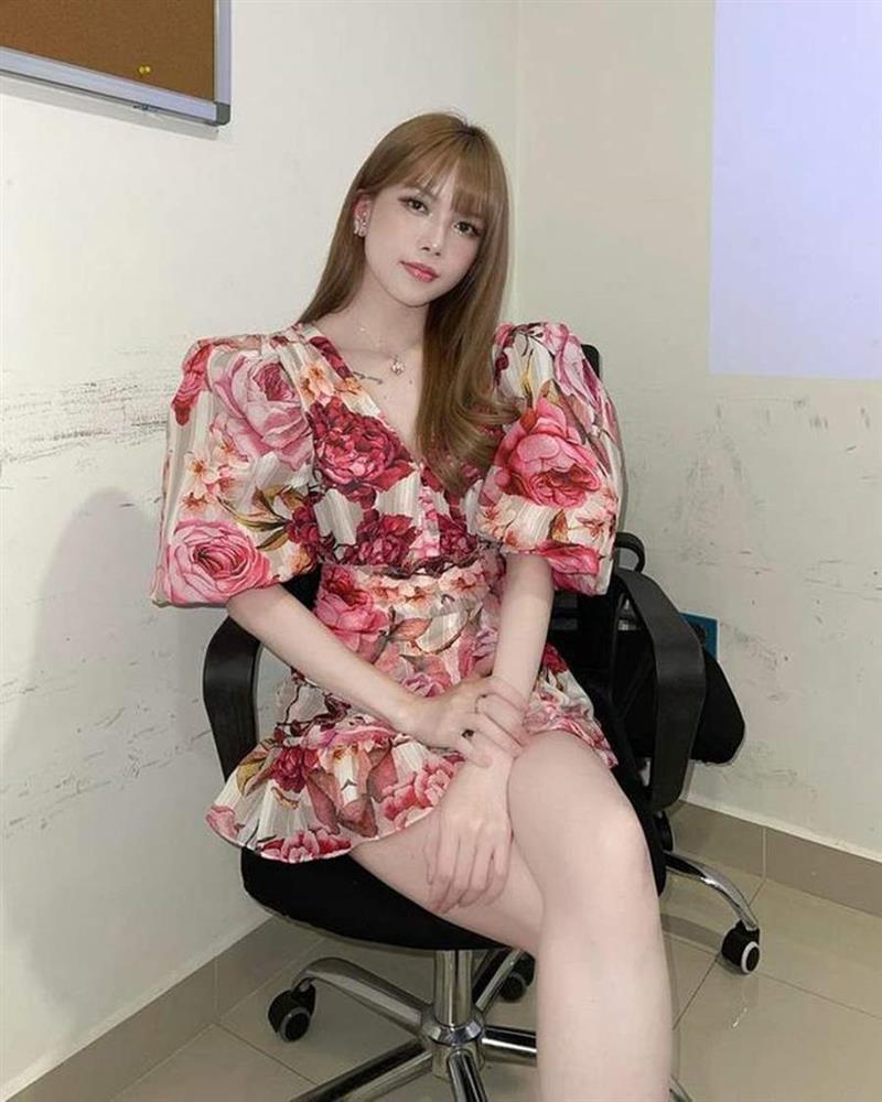 Học lỏm Hà Tăng, Thanh Hằng cùng loạt mỹ nhân Việt 1001 cách diện váy hoa đẹp đúng điệu-6
