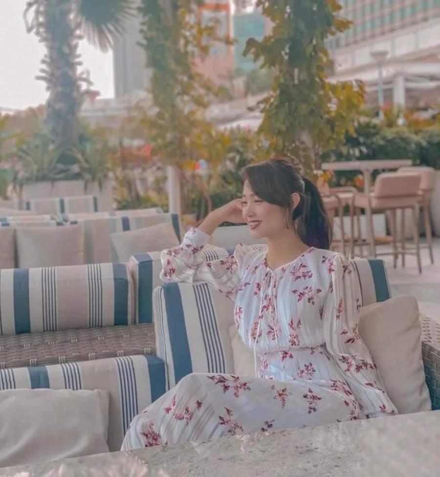 Học lỏm Hà Tăng, Thanh Hằng cùng loạt mỹ nhân Việt 1001 cách diện váy hoa đẹp đúng điệu-7