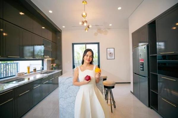 Phạm Quỳnh Anh mua hai căn nhà phố liền kề làm quà tặng cho con gái-1