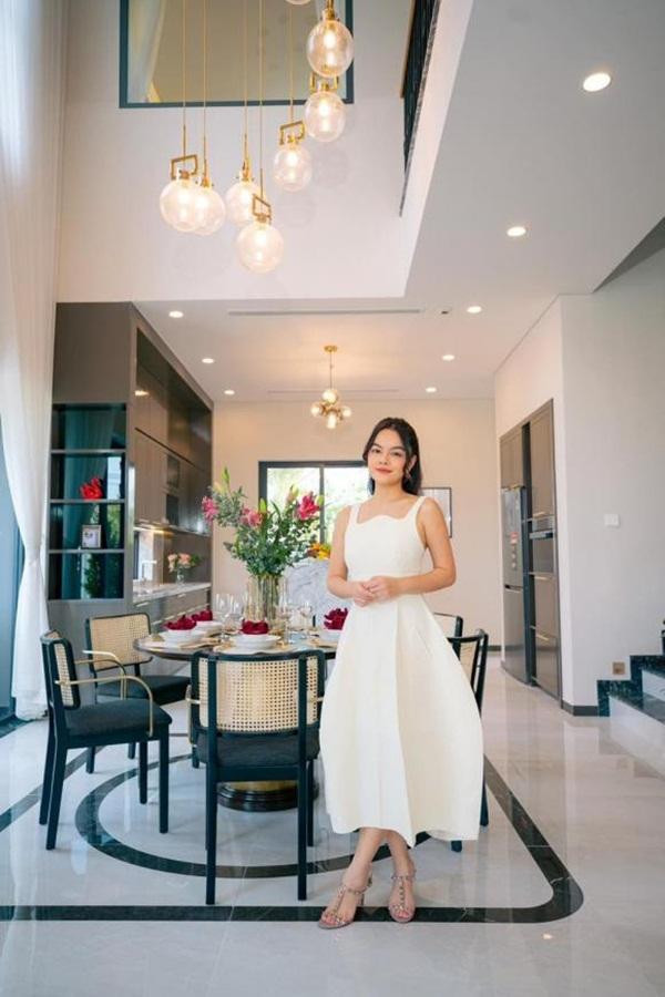 Phạm Quỳnh Anh mua hai căn nhà phố liền kề làm quà tặng cho con gái-3