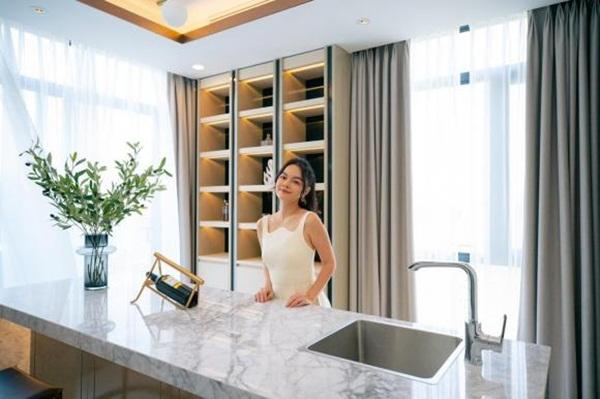 Phạm Quỳnh Anh mua hai căn nhà phố liền kề làm quà tặng cho con gái-8