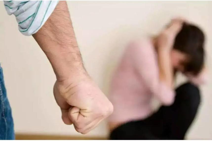 Đàn ông vũ phu, ưa bạo lực gia đình có 4 đặc điểm tiềm ẩn, 2 trong số đó rất nguy hiểm, phụ nữ hãy thật tỉnh táo để không lấy nhầm người!-3