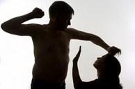 Đàn ông vũ phu, ưa bạo lực gia đình có 4 đặc điểm tiềm ẩn, 2 trong số đó rất nguy hiểm, phụ nữ hãy thật tỉnh táo để không lấy nhầm người!