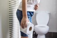 Khi gan bị tổn thương, cơ thể sẽ có 3 biểu hiện khác lạ lúc đi vệ sinh mà bạn cần chú ý