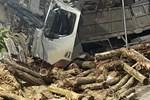 """Vụ tai nạn khiến 7 người tử vong: Tôi thoát chết nhưng mẹ lại bỏ mạng ở đó, đau lòng lắm""""-4"""