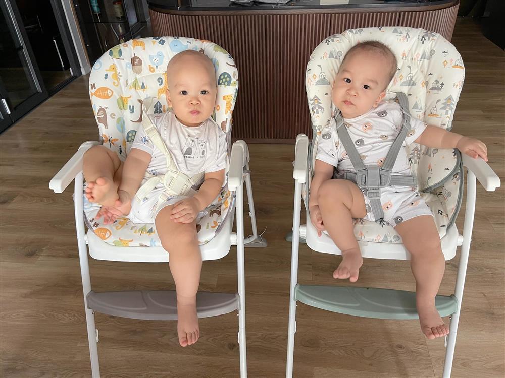 Bà xã MC Thành Trung khoe con trai 13 tháng tuổi đã biết ăn cơm như người lớn-1