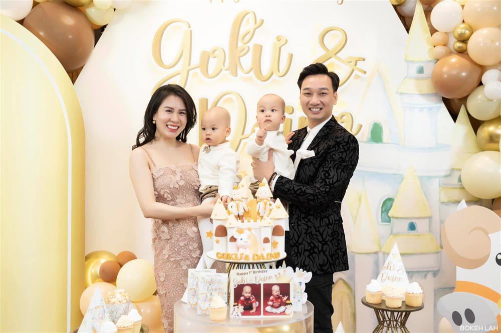 Bà xã MC Thành Trung khoe con trai 13 tháng tuổi đã biết ăn cơm như người lớn-4
