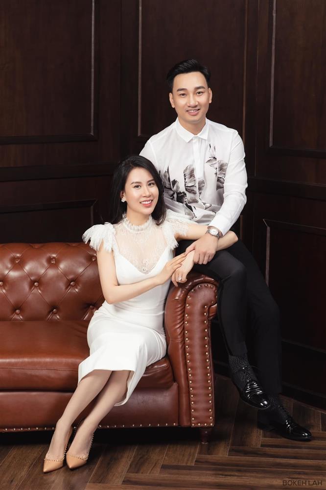 Bà xã MC Thành Trung khoe con trai 13 tháng tuổi đã biết ăn cơm như người lớn-5