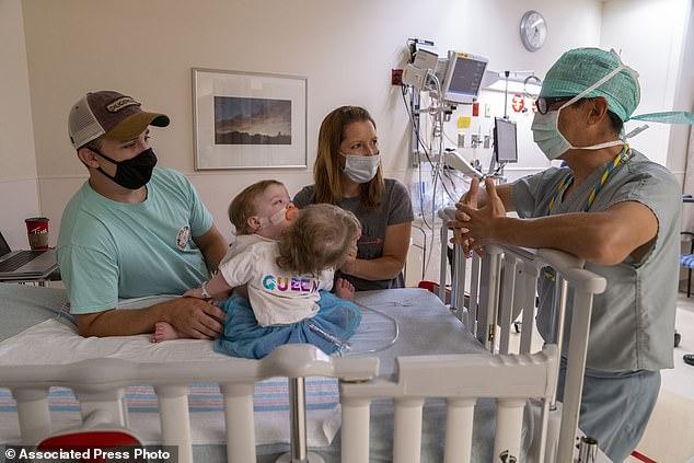 Tin chắc mình đang mang thai cậu bé khổng lồ, nhưng bác sĩ lại thông báo một tin khiến bà mẹ như bị sét đánh-4