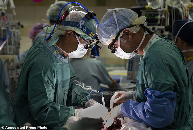 Tin chắc mình đang mang thai cậu bé khổng lồ, nhưng bác sĩ lại thông báo một tin khiến bà mẹ như bị sét đánh-5