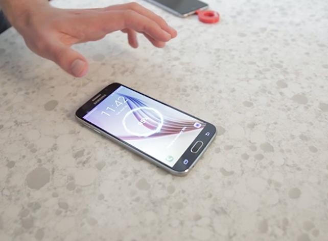 Những thói quen nhỏ ảnh hưởng đến tuổi thọ của dế yêu: Khi không dùng, nên ngửa hay úp màn hình điện thoại để không bị hỏng nhanh chóng-1