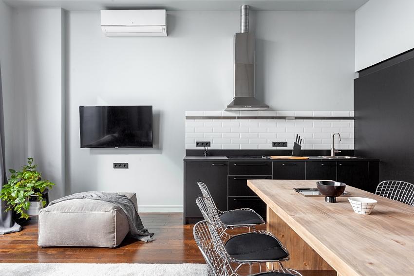 Ngôi nhà màu đen trắng thiết kế gác lửng hiện đại, chỉ rộng 15m2 nhưng ánh sáng tự nhiên vẫn tràn ngập không gian-4