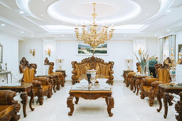 Đại gia kinh doanh đèn cao tay ở khoản chơi đồ gỗ, nhà trông giàu có nhưng không hề phô trương-1