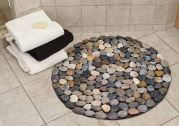 Ý tưởng thiết kế phòng tắm thân thiện với môi trường:Thảm lót chân bằng đá haygiá đỡ khăn bằng dây cũng không độc đáo bằng việc lắp thêm lò sưởi-6