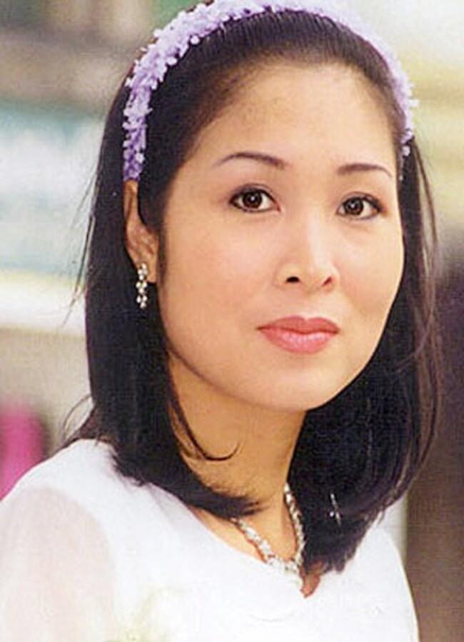 Ngỡ ngàng khi nhìn lại nhan sắc ngày xưa của dàn nữ danh hài Vbiz: Hồng Đào quá đỗi gợi cảm, Vân Dung từng lọt top cao của Hoa hậu Việt Nam-1