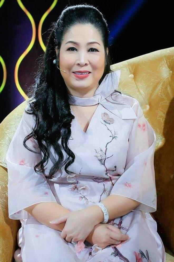 Ngỡ ngàng khi nhìn lại nhan sắc ngày xưa của dàn nữ danh hài Vbiz: Hồng Đào quá đỗi gợi cảm, Vân Dung từng lọt top cao của Hoa hậu Việt Nam-2