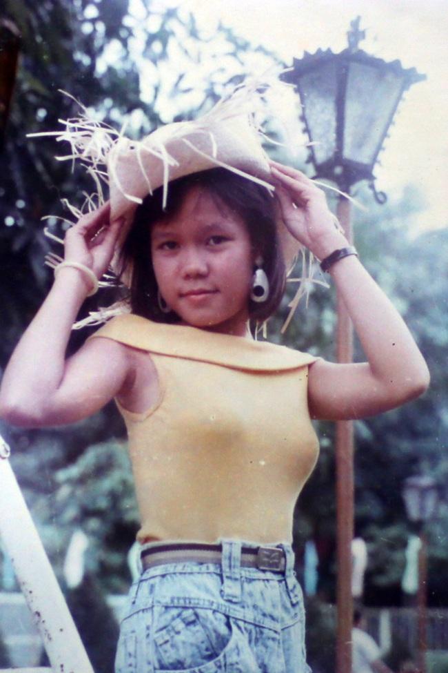Ngỡ ngàng khi nhìn lại nhan sắc ngày xưa của dàn nữ danh hài Vbiz: Hồng Đào quá đỗi gợi cảm, Vân Dung từng lọt top cao của Hoa hậu Việt Nam-5
