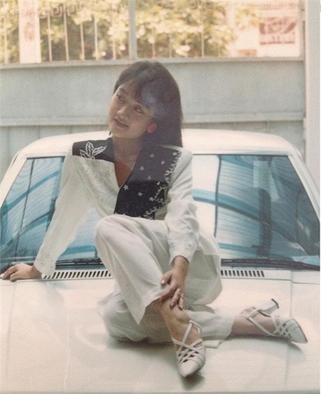 Ngỡ ngàng khi nhìn lại nhan sắc ngày xưa của dàn nữ danh hài Vbiz: Hồng Đào quá đỗi gợi cảm, Vân Dung từng lọt top cao của Hoa hậu Việt Nam-7
