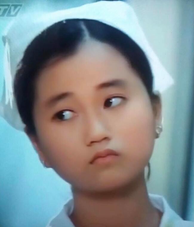 Ngỡ ngàng khi nhìn lại nhan sắc ngày xưa của dàn nữ danh hài Vbiz: Hồng Đào quá đỗi gợi cảm, Vân Dung từng lọt top cao của Hoa hậu Việt Nam-9