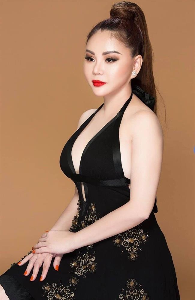 Ngỡ ngàng khi nhìn lại nhan sắc ngày xưa của dàn nữ danh hài Vbiz: Hồng Đào quá đỗi gợi cảm, Vân Dung từng lọt top cao của Hoa hậu Việt Nam-14