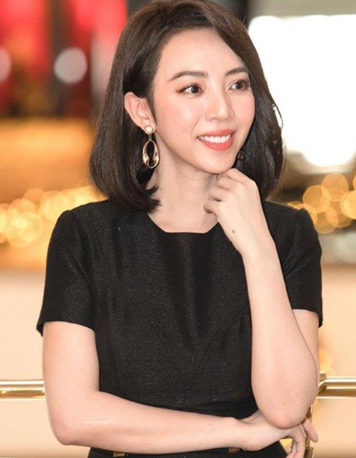 Ngỡ ngàng khi nhìn lại nhan sắc ngày xưa của dàn nữ danh hài Vbiz: Hồng Đào quá đỗi gợi cảm, Vân Dung từng lọt top cao của Hoa hậu Việt Nam-18