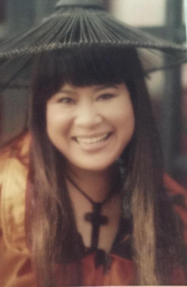 Ngỡ ngàng khi nhìn lại nhan sắc ngày xưa của dàn nữ danh hài Vbiz: Hồng Đào quá đỗi gợi cảm, Vân Dung từng lọt top cao của Hoa hậu Việt Nam-19