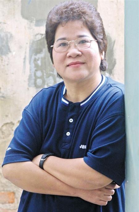 Ngỡ ngàng khi nhìn lại nhan sắc ngày xưa của dàn nữ danh hài Vbiz: Hồng Đào quá đỗi gợi cảm, Vân Dung từng lọt top cao của Hoa hậu Việt Nam-20