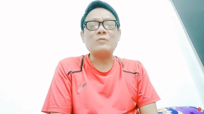 Nghệ sĩ Tấn Hoàng ngất xỉu trên máy bay đã hồi tỉnh: Tôi không chết sớm, tôi sẽ sống dai-2