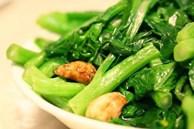 Các loại rau xanh đậm rất ngon và bổ dưỡng, nhưng 2 đối tượng này cần cẩn trọng khi ăn kẻo khiến bệnh thêm nặng
