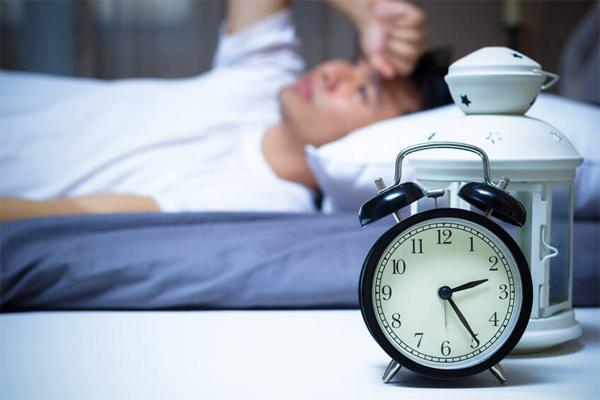 Đổ mồ hôi khi ngủ cảnh báo ung thư gì?-1