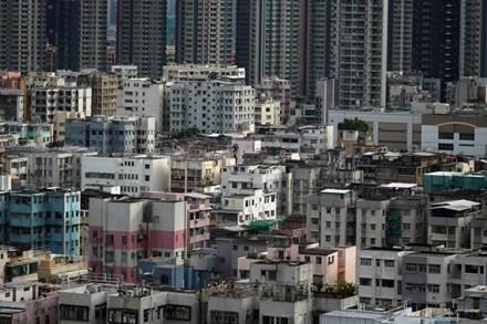 Giá thuê 'nhà quan tài' ở Hong Kong ngày càng đắt đỏ